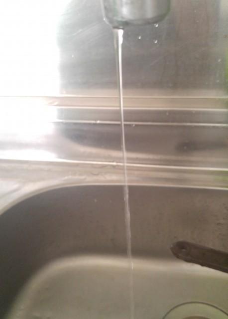 水道凍結 お湯が出ない